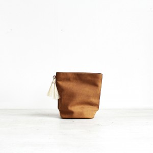 Yardena silva Handmade Leather Bags - Paris Clutch Bag - Camel front 2000px cover